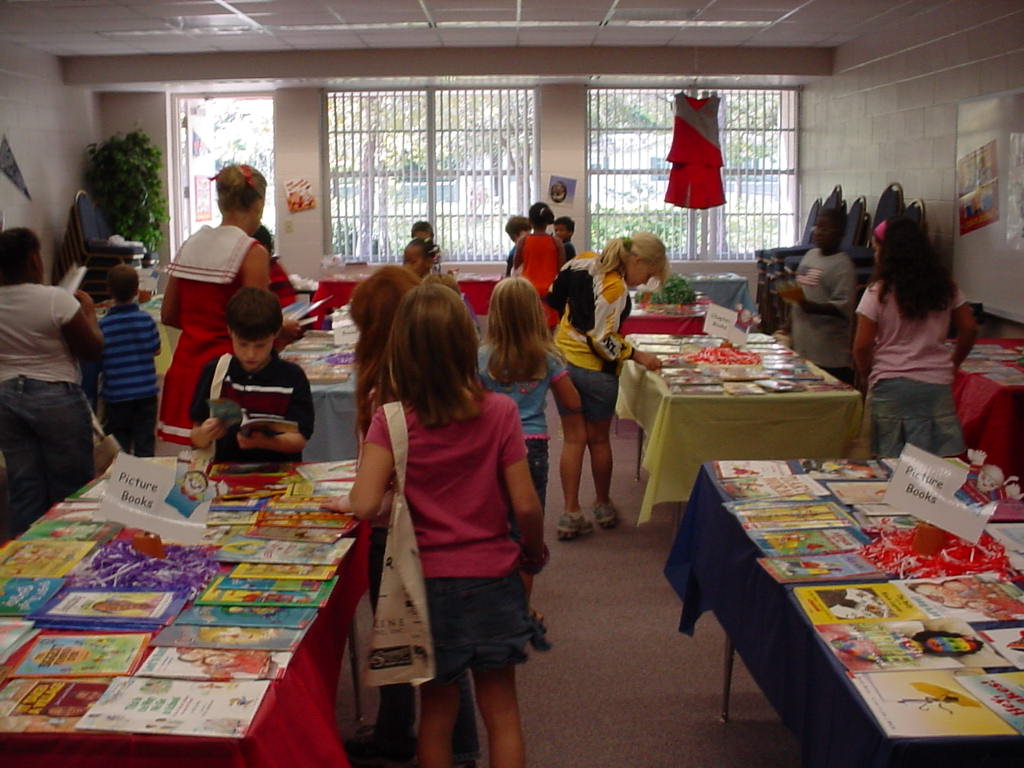 Picture of students selecting books
